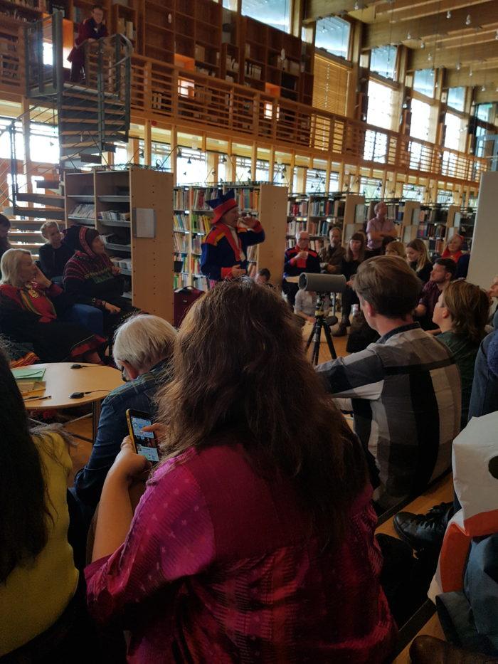 Ande Somby foreleser om blat annet koloniseringshistorie